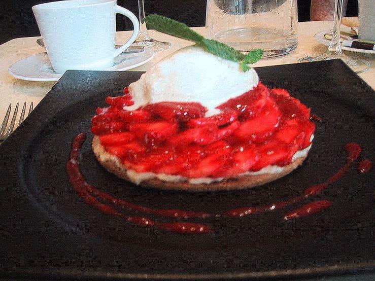 Dessert at Bouqinistes
